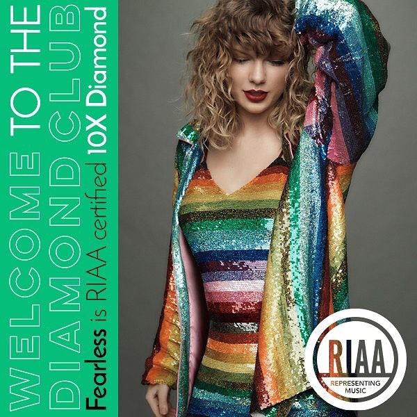摄影:Taylor Swift-BlueDotCC, 蓝点文化创意
