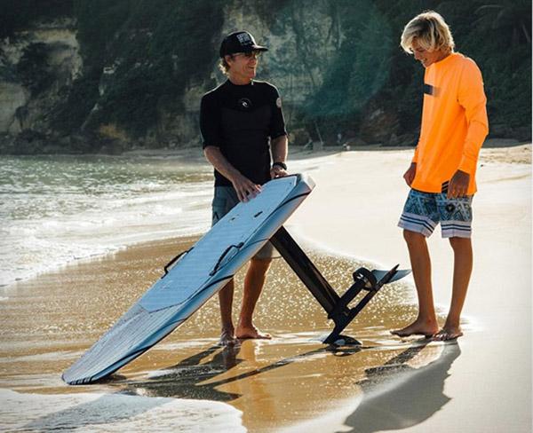 错买:新型水上滑板,浪浪浪浪到飞起!-BlueDotCC, 蓝点文化创意