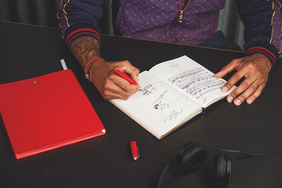 错买:万宝龙对年轻群体的独特理解,奢侈品年轻化-BlueDotCC, 蓝点文化创意