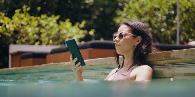 亚马逊发布新一代 Kindle Paperwhite,现在可以防水了