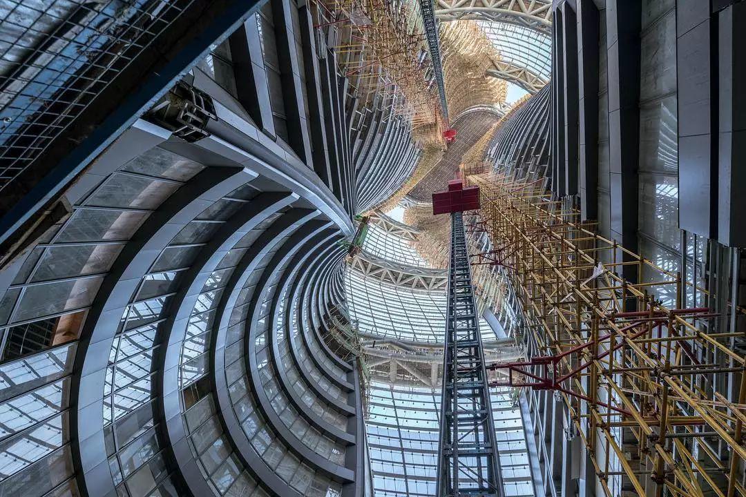 """AD:扎哈事务所""""丽泽SOHO""""最新现场图,仰望198米世界最高中庭-BlueDotCC, 蓝点文化创意"""
