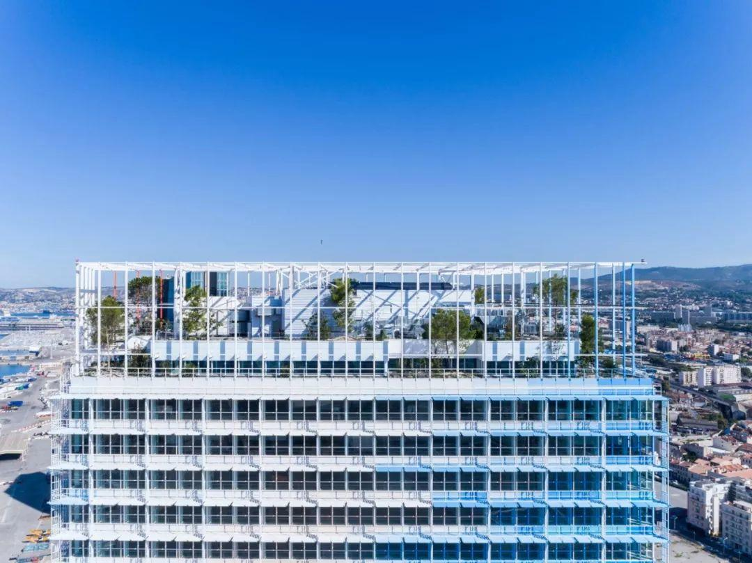 """AD:让·努维尔新作: """"马赛曲""""大楼,用简单的几何图形创造复杂的建筑游戏-BlueDotCC, 蓝点文化创意"""