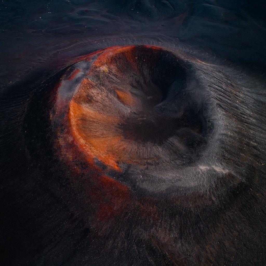 摄影:《火山口》德国慕尼黑的摄影师Tom Hegen最新作品-BlueDotCC, 蓝点文化创意