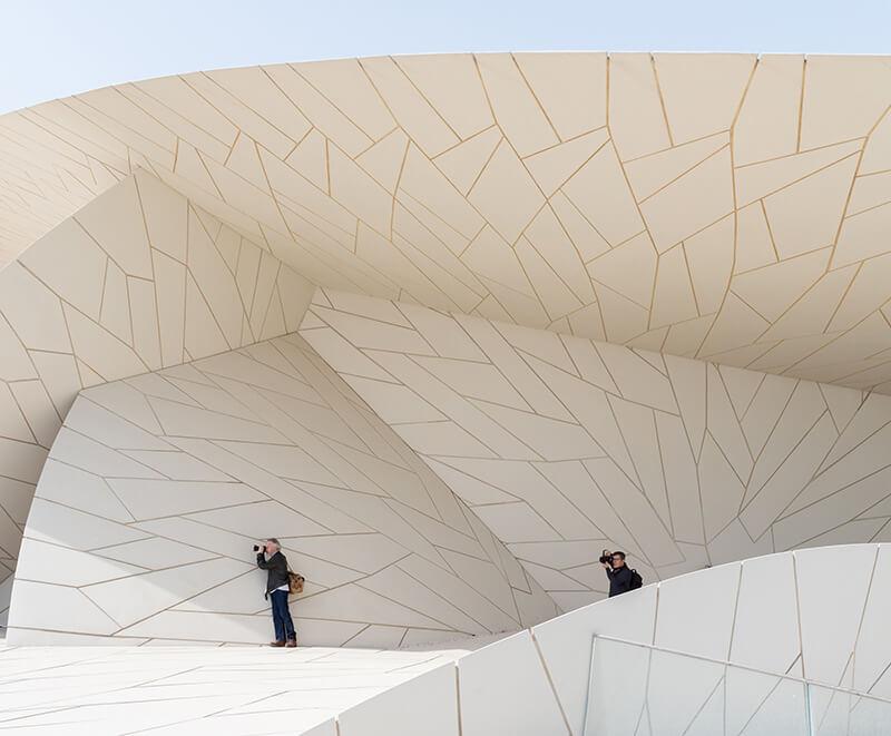 """让·努维尔操刀的""""沙漠玫瑰"""",卡塔尔国家博物馆正式开幕-BlueDotCC, 蓝点文化创意"""