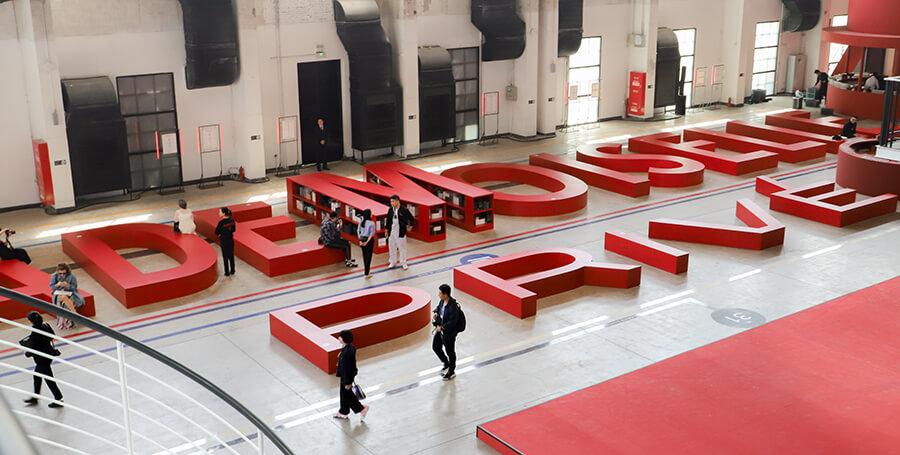 """我们去逛了 CHANEL 在上海带来的""""走进香奈儿""""展,这不只是一场适合拍照的""""网红展""""-BlueDotCC, 蓝点文化创意"""