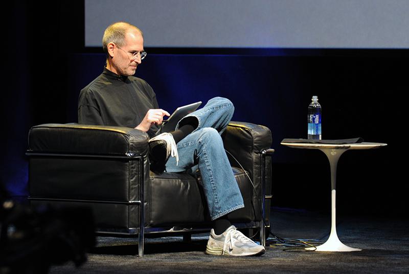 谢天谢地,Jony Ive 终于离开苹果了-BlueDotCC, 蓝点文化创意